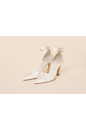 SATIN BRIDAL SHOES WITH STRAP